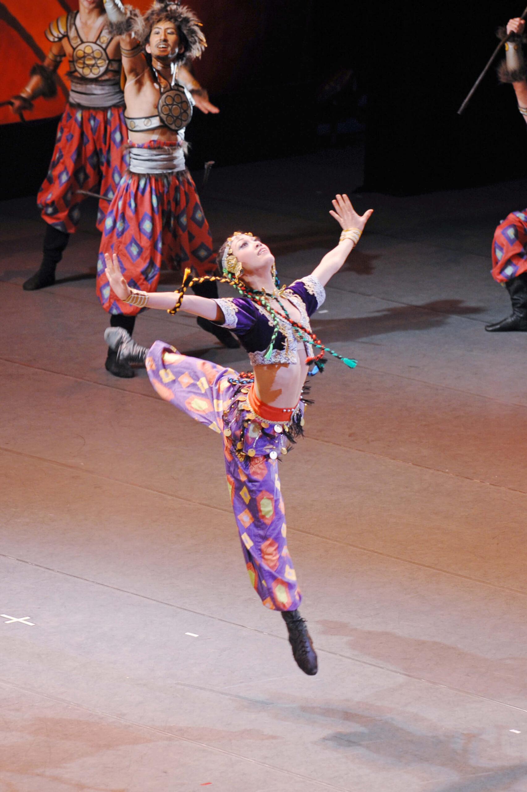 ポロヴェッツ人の踊り(セルゲイ・ヴィハレフ) 写真2