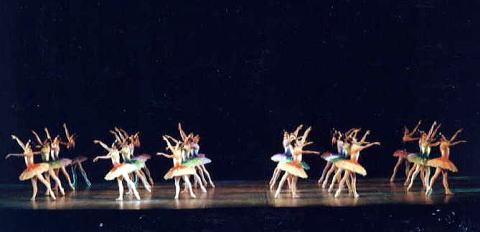 時の踊り ~歌劇「ジョコンダ」より~(ナタリヤ・ボスクレシェンスカヤ) 写真1